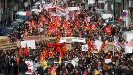 Strike in France Elicit Support From German Workers